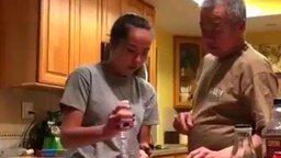 Разыграла своего отца смотреть видео прикол - 1:00