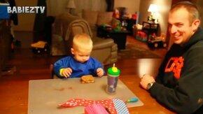 Трогательные приколы с детьми и отцами смотреть видео прикол - 10:26