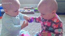 Противостояние двойняшек и близняшек смотреть видео прикол - 10:22