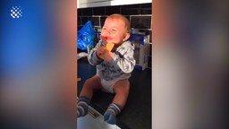 Заливистый детский смех смотреть видео прикол - 12:07