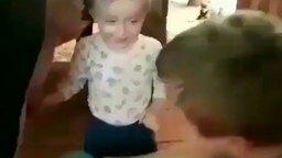 Маленький баловник смотреть видео прикол - 0:30