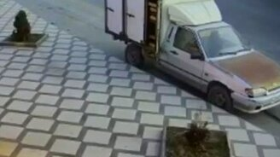 """Быстрая реакция водителя """"Гранты"""" смотреть видео прикол - 0:11"""