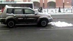 Девушка, снег, авто смотреть видео прикол - 0:58