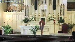 Голышом в церковь