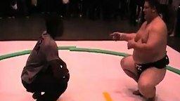 Борьба с сумоистом смотреть видео прикол - 1:28