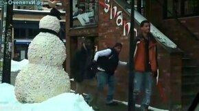 Снеговик с сюрпризом смотреть видео прикол - 2:57