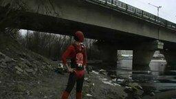 Реальный человек-паук смотреть видео прикол - 2:12