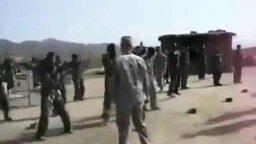 Эти весёлые солдаты смотреть видео прикол - 1:44