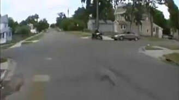 Смотреть Неудача мотоциклиста