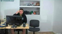 Смотреть Двойной розыгрыш в офисе