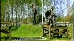 Солдаты на учениях смотреть видео - 2:09