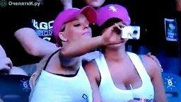 Блондинки фотографируются смотреть видео прикол - 0:15