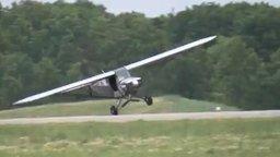 Смотреть Угнал самолёт