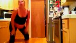 Смотреть Беременный танец
