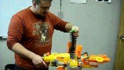 Пулемёт - не игрушка смотреть видео прикол - 0:27