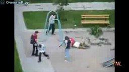 Неудачи на детских площадках смотреть видео прикол - 4:32