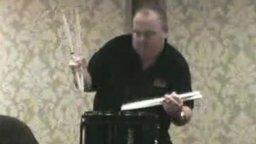 Смотреть Скоростной барабанщик