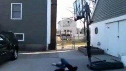 Баскетбольные курьёзы смотреть видео прикол - 4:18
